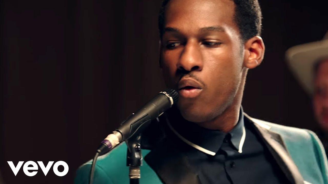 Leon Bridges – Smooth Sailin (Video)
