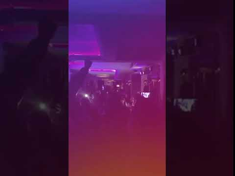 Video - Ολυμπιακός: Μαζί με τον Αντώνη Ρέμο, στο Λονδίνο, γλέντησε ο Βαγγέλης Μαρινάκης την πρόκριση επί της Αρσεναλ [βίντεο]