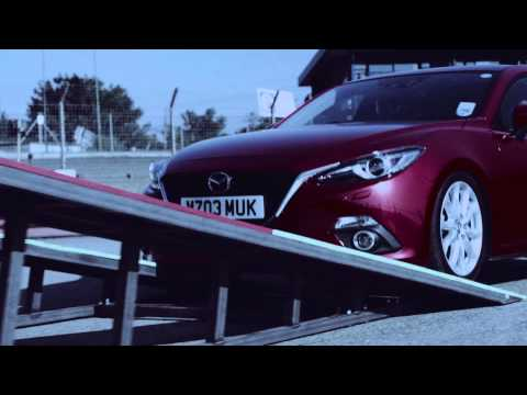 Mazda 3 (2014) SKYACTIV Technology vs Dogs. Who will win?
