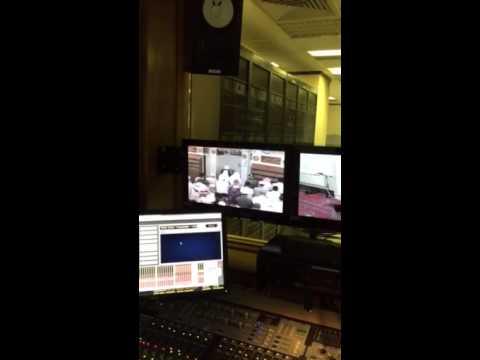 #فيديو محاولة هجوم فاشلة على إمام المسجد النبوي وقت صلاة الفجر