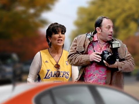 Kris Jenner Chases Paparazzi - Keeping Up With Kim Kardashian's Baby Bump
