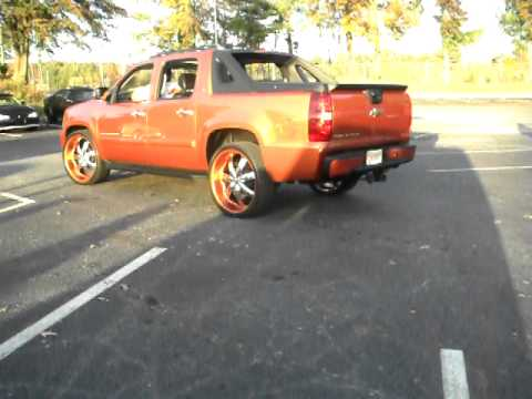 EA Stunnas's Part 2 Line Up, Charger on 28's, Monte Carlo ss on 26's, Chevy Avalanche on 26's