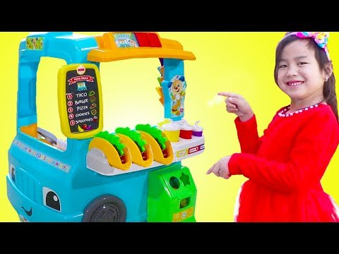 Jannie Pretend Play with Fun Food Truck Toy