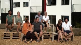 Peter Ingemann er vært, når fire par rykker ind i hvert deres råhus i Gistrup, lidt syd for Aalborg. I løbet af de næste ti uger skal parrene for kun 300.000 kr. forvandle huset til deres personlige drømmehjem. Konkurrencen er hård, for hver uge kårer de to dommere, Mette Helena Rasmussen og Ask Abildgaard, det bedste rum, og vinderparret får hele 20.000 kr. ekstra til byggebudgettet. Når husene står færdige, er det seerne, der bestemmer hvilket par, der bliver boende i det drømmehjem, som de selv har skabt - et hus til en værdi af 2,9 millioner kr.