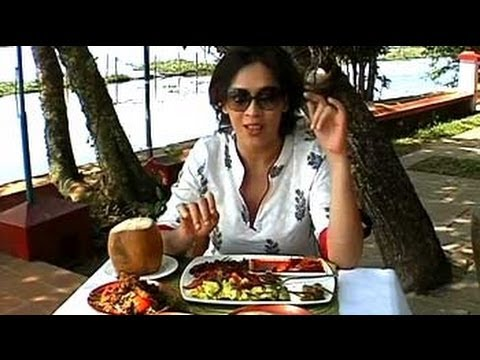 Kerala - Aneesha Baig is in beautiful Kerala and she shows you how to eat like a local, takes you to pretty resorts and digs into a gorgeous feast on a boat!