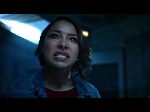"The Flash 5x17 Sneak Peek ""Time Bomb"" Season 5 Episode 17 Scene"