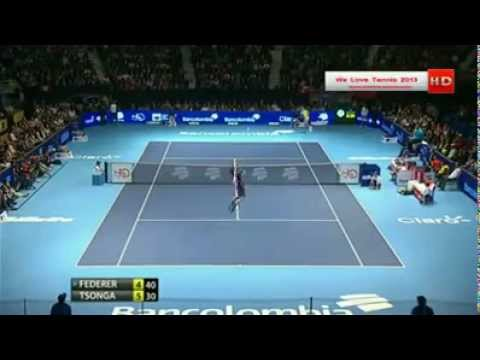 Federer Plays With The Crowd - Very Funny