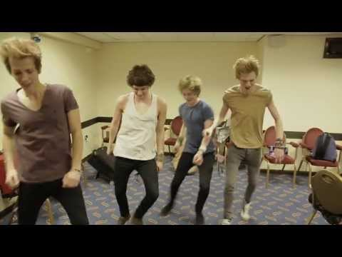 Tekst piosenki The Vamps - Teenage Kicks  (cover of McFly) po polsku
