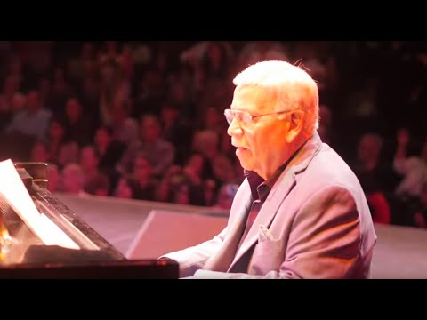 "Pete Rodriguez -  ""I Like It Like That"" (Live)"