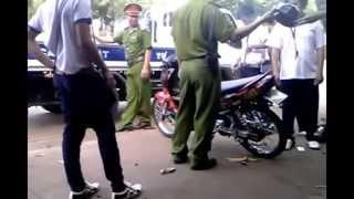 Công An ập bắt xe độ dựng trên lề đường (Long Khánh)