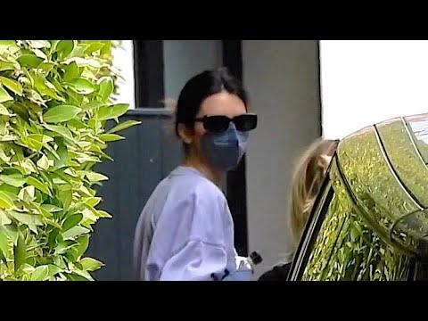 Kendall Jenner Stays Masked After Boyfriend Devin Booker Tests Positive For COVID-19