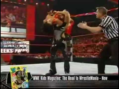 Peleas HOT - Christy Hemme Vs Candice Michelle
