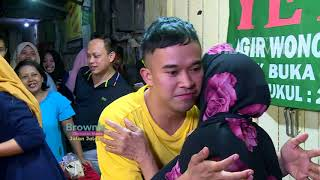 Video BROWNIS - Omset Sego Sambel Yeye di Wonokromo, Sehari Bisa 25 Juta!  (29/7/18) Part4 MP3, 3GP, MP4, WEBM, AVI, FLV November 2018