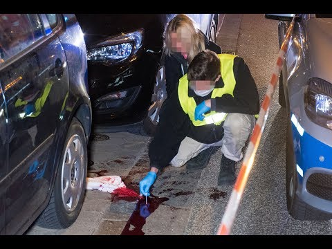Blutige Tat auf der Reeperbahn: Frau mit Messer att ...