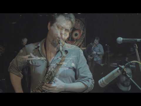 "MUFF - ""Hypnotix Bum Bum"" (live from Klubovna) 3/7"