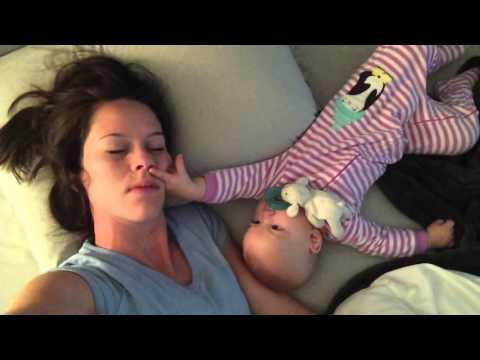 come il bambino sveglia la mamma
