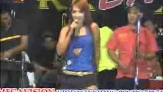 "Download Lagu Dangdut live show: Ana Kristina  ""Bukan tak mampu"" Mp3"