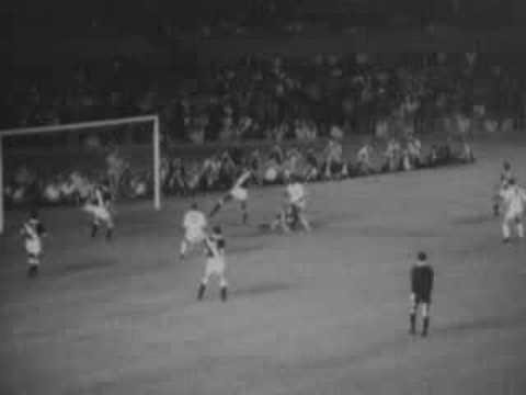 Milésimo gol de Pelé - de penalti