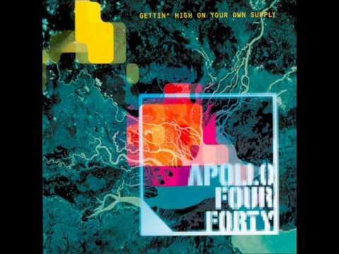 Tekst piosenki Apollo 440 - Cold Rock The Mic po polsku