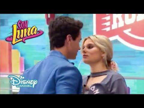 Soy Luna 3 - Ámbar & Simón patinan y casi se Besan - Capitulo 55