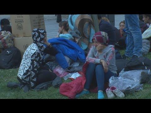 Μετανάστες κοιμούνται στο κέντρο της Θεσσαλονίκης