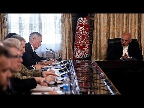 Αιφνιδίως στο Αφγανιστάν ο υπουργός Άμυνας των ΗΠΑ