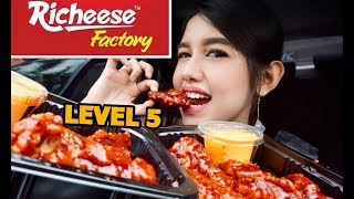 Video RICHEESE FIRE WINGS LEVEL 5 CHALLENGE | Eating Show MP3, 3GP, MP4, WEBM, AVI, FLV Maret 2018