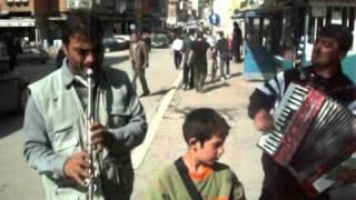 Magjupt Bejn Muzik Shqip, Ata Me Muzikë Kan Hecur Përpara