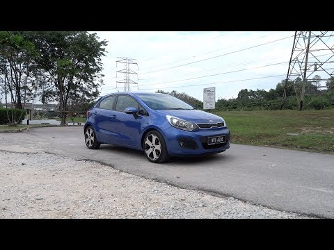 2013 Kia Rio 1.4 SX Start-Up, Full Vehicle Tour, Test Drive and Night Start-Up