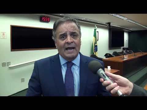 Aécio Neves fala a prefeitos sobre a PEC 48