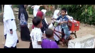 Video Demi Bisa Bertemu Presiden Jokowi, Bocah Ini Keliling Kampung Pinjamkan Buku-Bukunya MP3, 3GP, MP4, WEBM, AVI, FLV Mei 2018