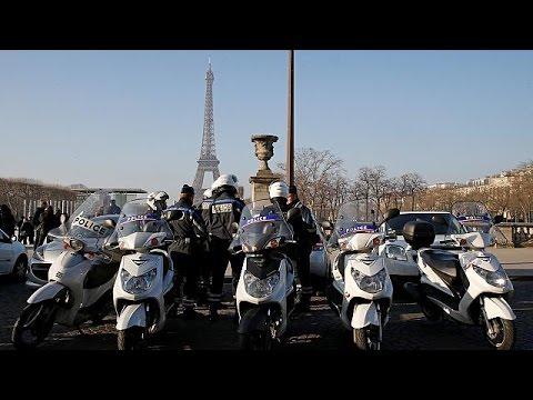 Παρίσι: Γυάλινος τοίχος θα προστατεύει τον Πύργο του Άιφελ