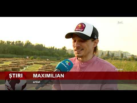Maximilian a ridicat zeci de oameni în picioare cu piesele lui