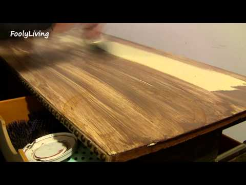 FAUX WOOD PAINTING MAKEUP TABLE MAKEOVER