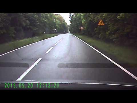 Jedziesz spokojnie, a tu nagle baran z BMW zaczyna wyprzedzać! Gorzej nie mógł tego zrobić!