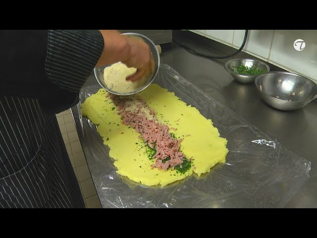 Kartoffelroulade mit Schinken-Kräuterfüllung   Beilage zu Fleischgerichten