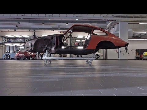 Μπαίνοντας στο εργαστήριο που ανακατασκευάζονται οι Porsche...