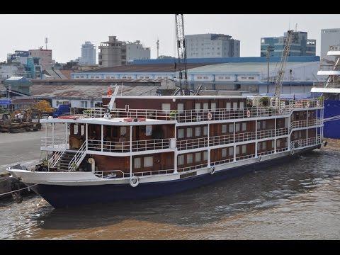 Авария судна в порту Хо Ши Мин