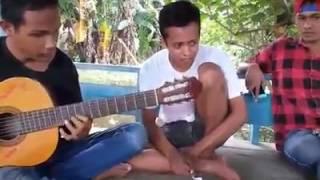 Video Tuna Netra asal Dompu jago bermain gitar MP3, 3GP, MP4, WEBM, AVI, FLV Juli 2018