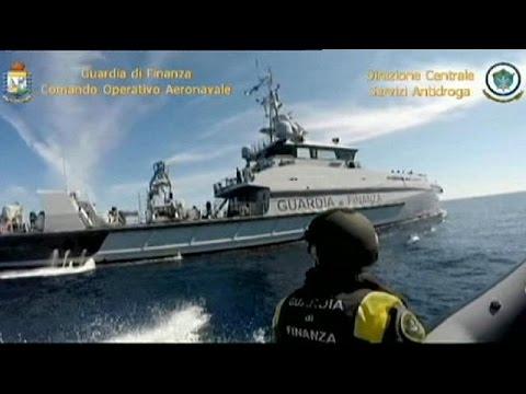 Ιταλία: Οι αρχές εντόπισαν πλοίο που μετέφερε 12 τόνους χασίς