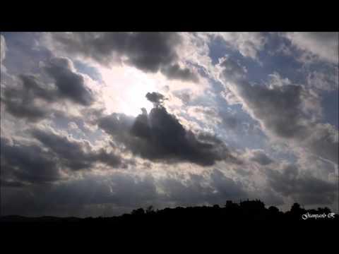 incredibile gioco rilassante di nuvole