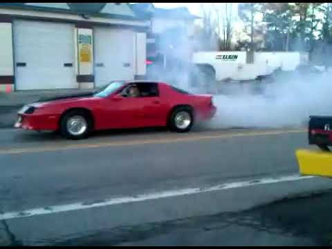 1988 IROC-Z28 Camaro Burnout in traffic