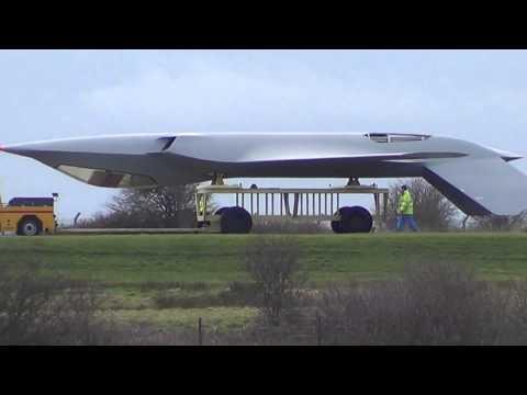 El misterio del avion furtivo visto en BAE Warton en 2014