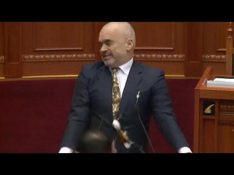 Albanien: Eierwürfe gegen Ministerpräsident Rama während Rede von oppositionellem Abgeordneten