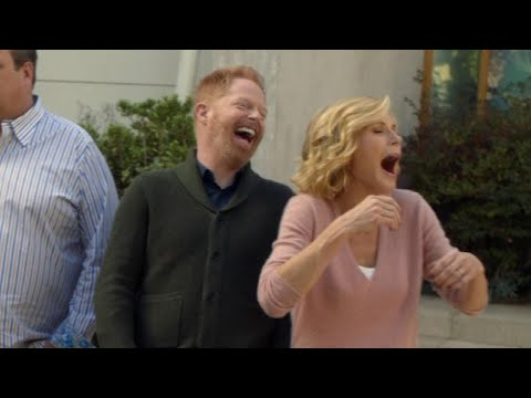 EXCLUSIVE: 'Modern Family' Season 8 Gag Reel -- Watch And Try Not To Laugh!