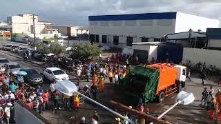 Trabalhadores da coleta de lixo fazem manifestação