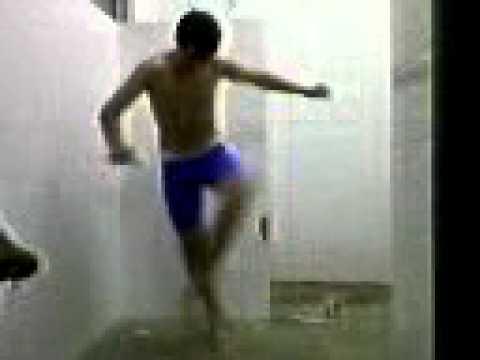 Juninho dançando no vestiário - Redenção da Serra