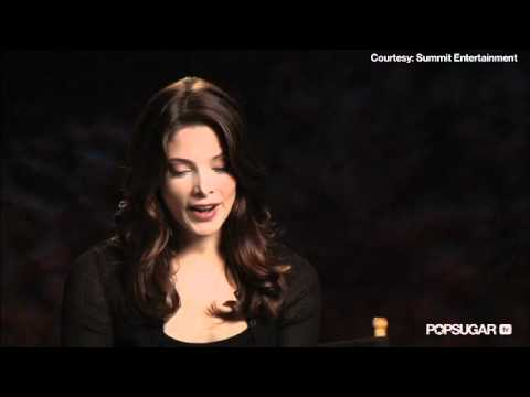 The Twilight Saga's Breaking Dawn Part I (Featurette 2)