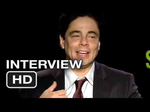 Savages Interview - Benicio Del Toro & Demian Bichir (2012) HD
