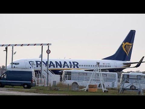 Σενάρια χιλιάδων περικοπών στη Ryanair